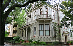 St.-Charles-Ave.-Home.-New-Orleans-Historic-Homes